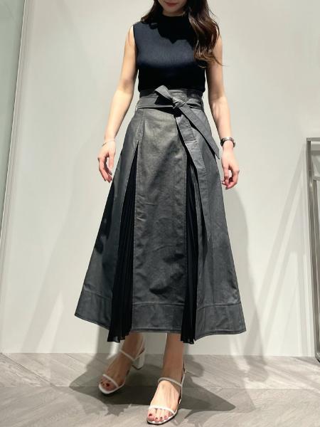 EzickのTCレイヤードプリーツSKを使ったコーディネートを紹介します。|Rakuten Fashion(楽天ファッション/旧楽天ブランドアベニュー)1109700