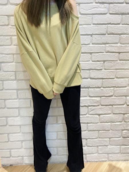INGNIの裏毛ワンショルチュニックを使ったコーディネートを紹介します。|Rakuten Fashion(楽天ファッション/旧楽天ブランドアベニュー)1109760