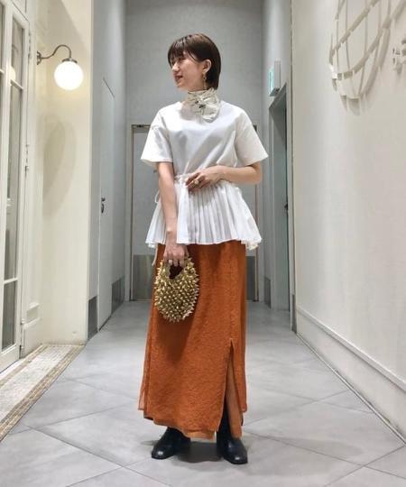 BEAMS WOMENのRay BEAMS / プリーツ キリカエ ハーフスリーブ Tシャツを使ったコーディネートを紹介します。|Rakuten Fashion(楽天ファッション/旧楽天ブランドアベニュー)1110042