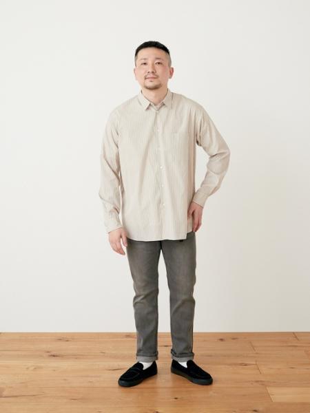 URBAN RESEARCH DOORSの【一部WEB限定サイズ】ファインコットンレギュラーカラーシャツを使ったコーディネートを紹介します。|Rakuten Fashion(楽天ファッション/旧楽天ブランドアベニュー)1110200