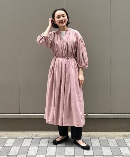 BEAMS WOMENのBEAMS BOY / リネン ビスコース ギャザー 7分袖 ワンピースを使ったコーディネートを紹介します。|Rakuten Fashion(楽天ファッション/旧楽天ブランドアベニュー)1111323