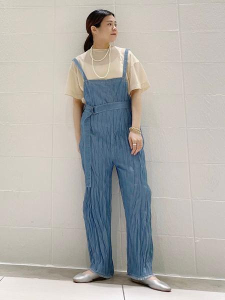 KBFのクルーネックシアーTシャツを使ったコーディネートを紹介します。|Rakuten Fashion(楽天ファッション/旧楽天ブランドアベニュー)1113028