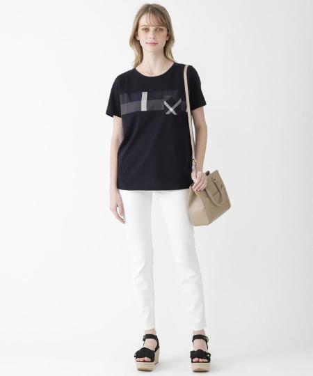BLUE LABEL / BLACK LABEL CRESTBRIDGEのハイストレッチホワイトデニムパンツを使ったコーディネートを紹介します。|Rakuten Fashion(楽天ファッション/旧楽天ブランドアベニュー)1113145