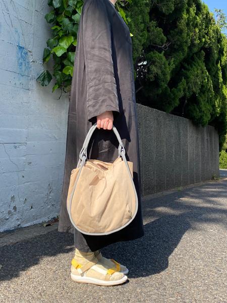 CAMPERの[カンペール] MONA ショルダーバッグを使ったコーディネートを紹介します。|Rakuten Fashion(楽天ファッション/旧楽天ブランドアベニュー)1113606