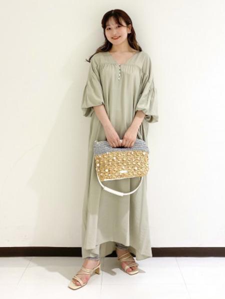 Piche Abahouseの華奢ストラップサンダルを使ったコーディネートを紹介します。|Rakuten Fashion(楽天ファッション/旧楽天ブランドアベニュー)1115470