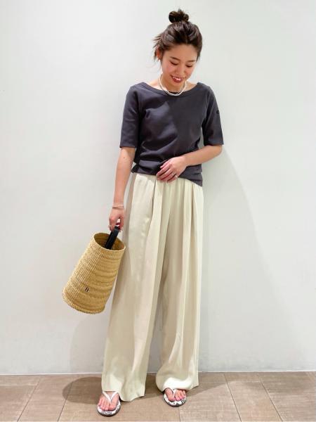 plageのrayon drape パンツ◆を使ったコーディネートを紹介します。 Rakuten Fashion(楽天ファッション/旧楽天ブランドアベニュー)1115544